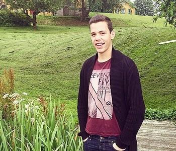 Gijs fick jobb i ett holländskt racingteam efter studier på Motorsportgymnasiet